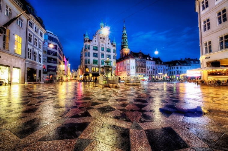 Blue hours in Copenhagen by Jim NIx Flicr